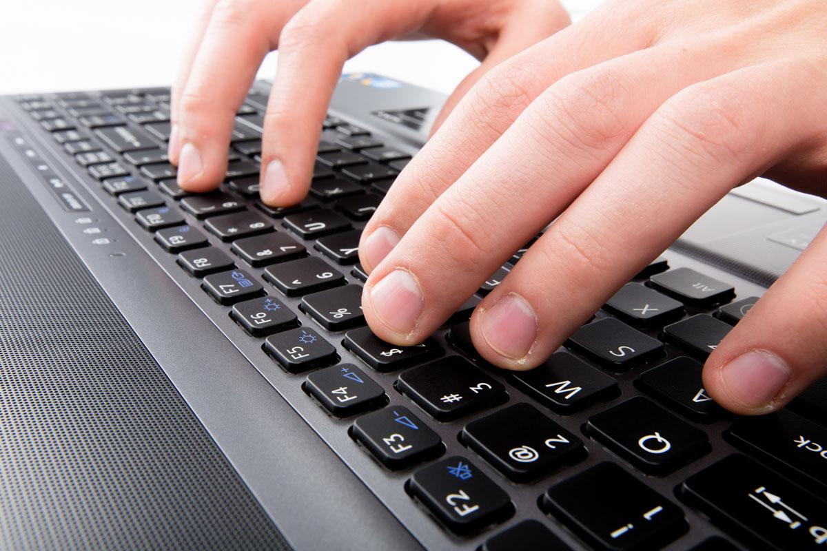 Blogging Keyboard Typing